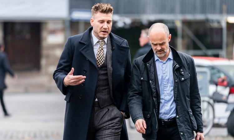 Bendtner and the vice of poker: 'I have lost over 6 million pounds. One night in London it was ending badly ... ' - Bóng Đá